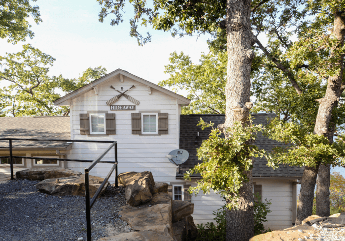 Cabins - The Hideaway Cabin